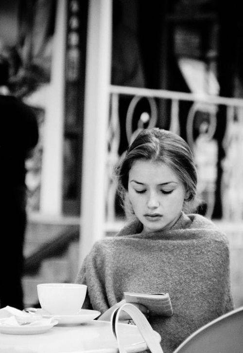 Красивые девушки и кофе. На это можно смотреть вечно